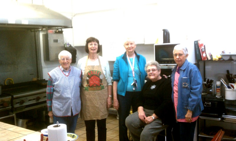 Volunteers from the Methodist Church helped us cook the other day